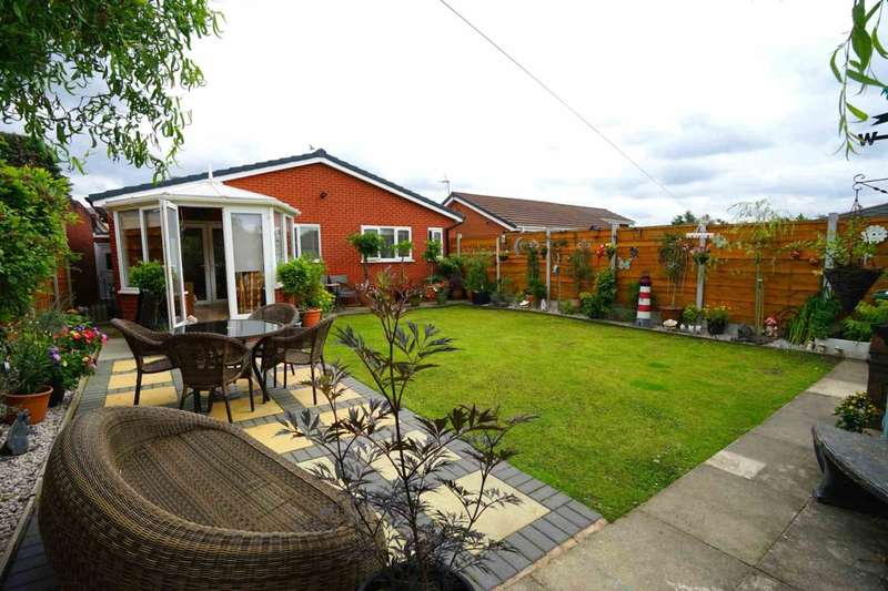 3 Bedrooms Bungalow for sale in Hollowell Lane, Horwich