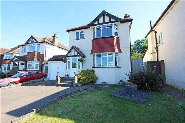 3 Bedrooms Detached House for sale in Church Way, Sanderstead