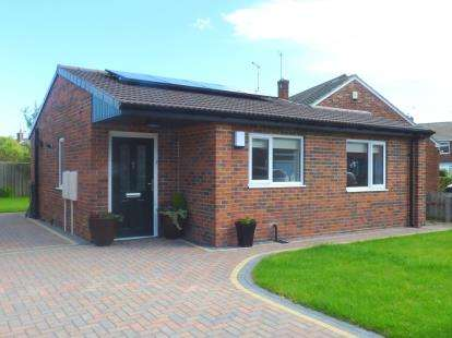 1 Bedroom Bungalow for sale in Hampton Road, North Shields, Tyne and Wear, NE30