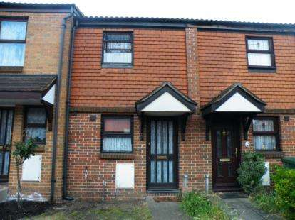 2 Bedrooms Terraced House for sale in Purfleet, Essex