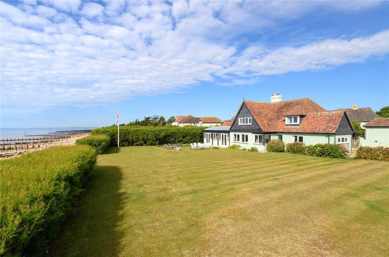 5 Bedrooms Detached House for sale in Sea Lane, Middleton-on-Sea, West Sussex, PO22
