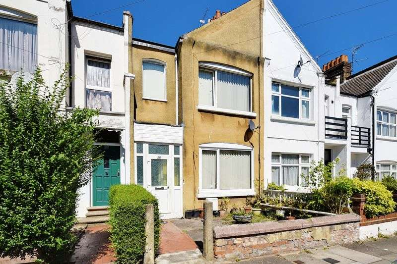 6 Bedrooms Terraced House for sale in Lascotts Road, Wood Green, N22