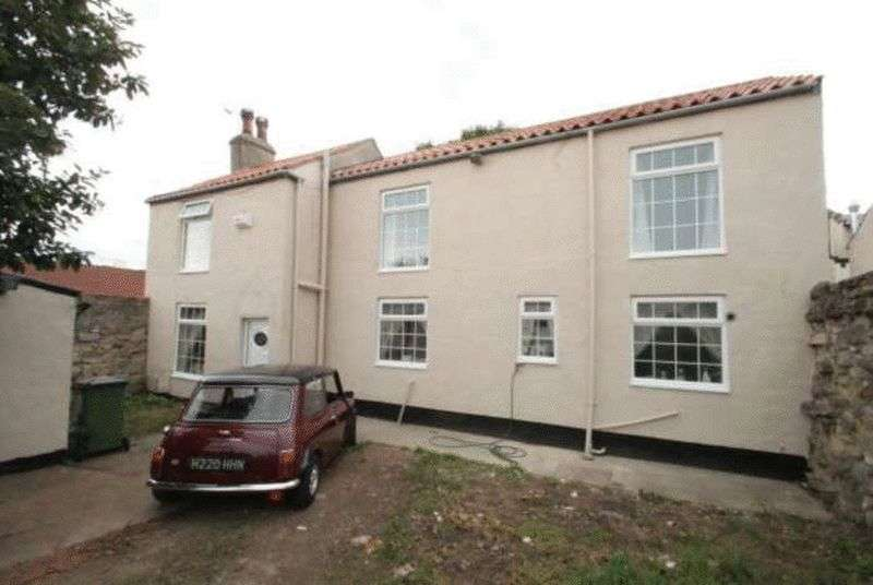 3 Bedrooms Detached House for sale in *PRICED TO SELL....STUNNING REFURBISHED DETACHED PROPERTY-NO CHAIN*