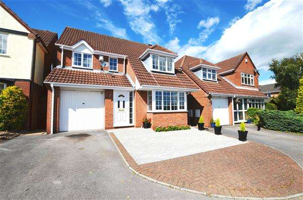 4 Bedrooms Detached House for sale in Willotts Hill Road, Waterhayes, Newcastle-under-Lyme