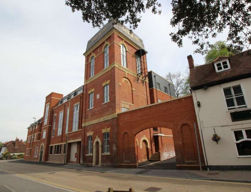 2 Bedrooms Flat for sale in The Old Brewery London Road, Horndean, Waterlooville, PO8