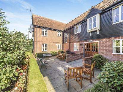 2 Bedrooms Flat for sale in Wroxham, Norwich, Norfolk