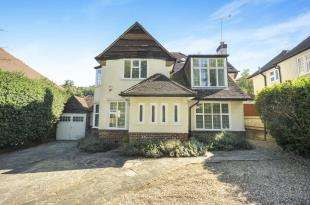 4 Bedrooms Detached House for sale in Croham Valley Road, South Croydon, .