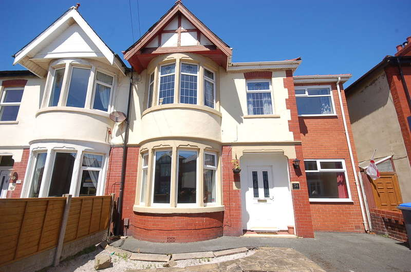 5 Bedrooms Semi Detached House for sale in Woodstock Gardens, Blackpool