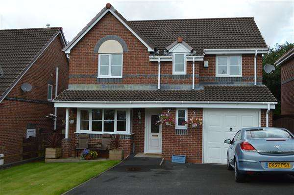 4 Bedrooms Detached House for sale in Knowles Wood Drive, Gillibrand North, Chorley