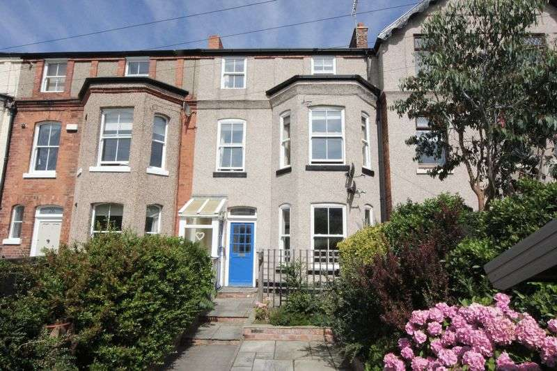 4 Bedrooms Flat for sale in Queens Road, Hoylake, Wirral