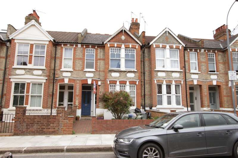 2 Bedrooms Flat for sale in Oaklands Grove, London, London, W12