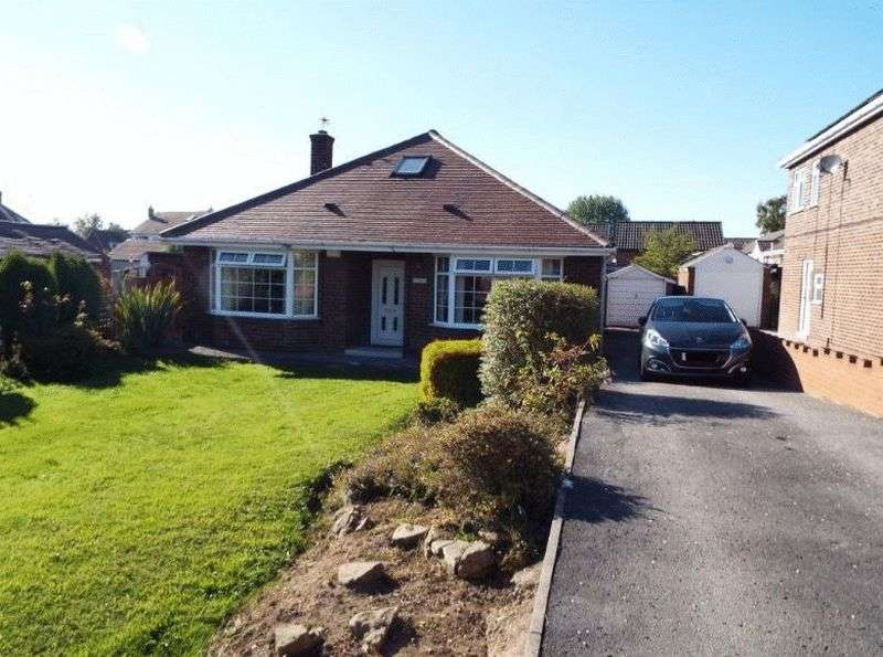 3 Bedrooms Detached Bungalow for sale in Field Lane, WF9 1BH