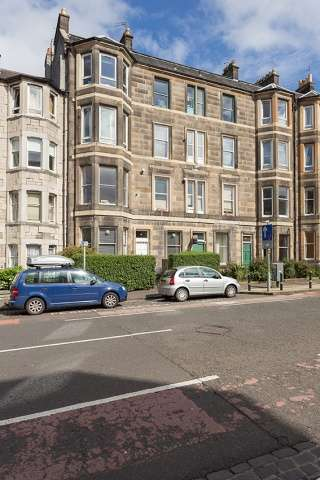 2 Bedrooms Flat for sale in 83 McDonald Road, Bellevue, Edinburgh, EH7 4NA