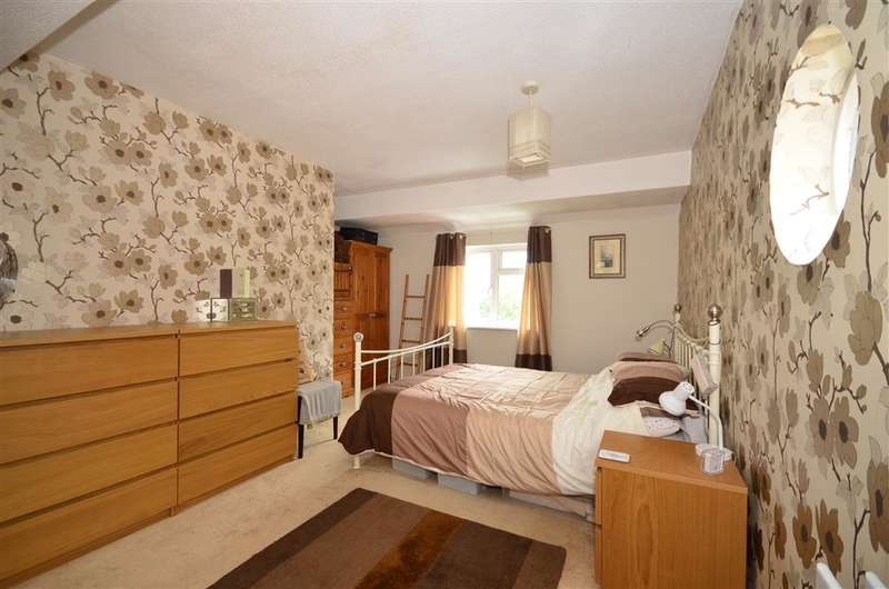 3 Bedrooms Semi Detached House for sale in Giddy Horn Lane, Maidstone, Kent