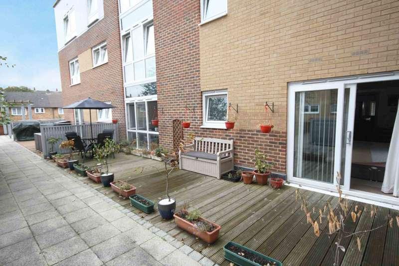 2 Bedrooms Apartment Flat for sale in Morello Quarter, Cherrydown East, Basildon