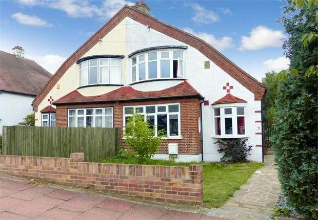 3 Bedrooms Semi Detached House for sale in Crossways Road, BECKENHAM, Kent
