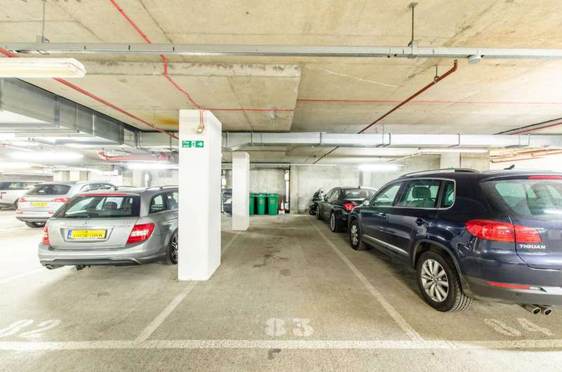 Parking Garage / Parking for sale in West India Quay, Canary Wharf, E14