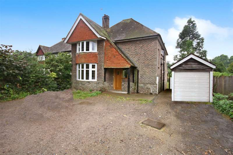 3 Bedrooms Detached House for sale in Balcombe Road, Horley, RH6