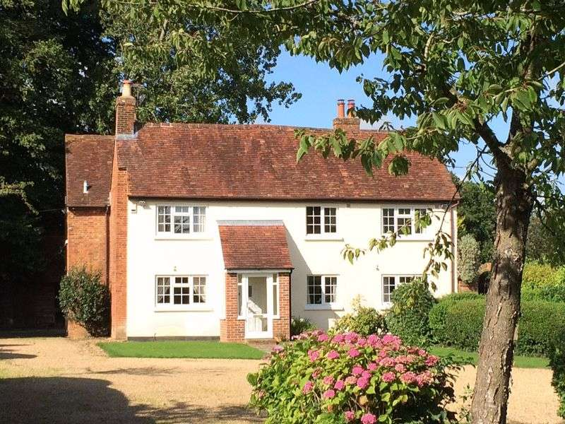 5 Bedrooms Detached House for sale in Sciviers Lane, Wintershill, Hampshire