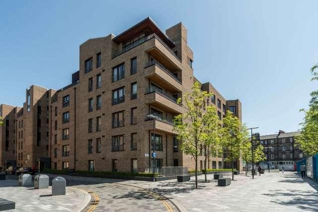 3 Bedrooms Flat for sale in Melvin Walk, Fountainbridge, Edinburgh, EH3 8EQ
