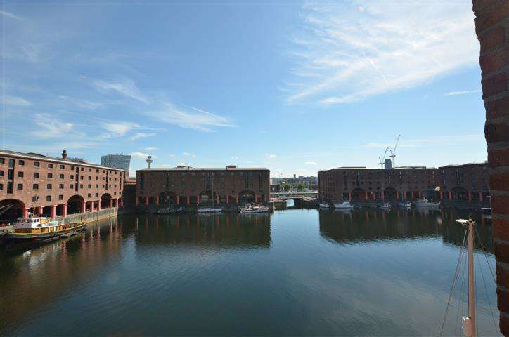 2 Bedrooms Apartment Flat for sale in The Colonnades Albert Dock, Liverpool, L3
