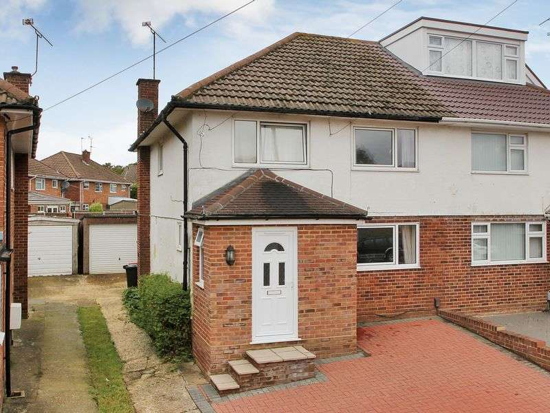 3 Bedrooms Semi Detached House for sale in Hawkins Road, Tilgate, Crawley, West Sussex