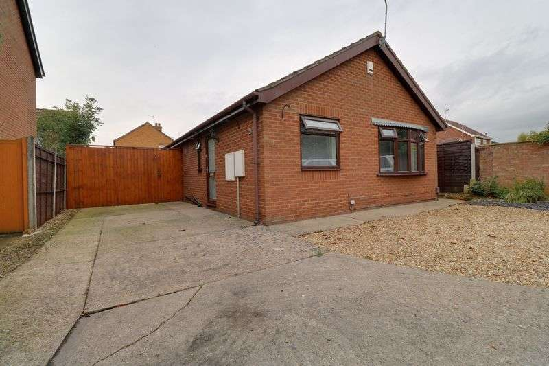 2 Bedrooms Detached Bungalow for sale in Balliol Drive, Scunthorpe