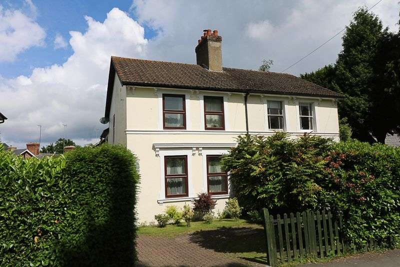 3 Bedrooms Semi Detached House for sale in Springfield Road, Groombridge, Tunbridge Wells