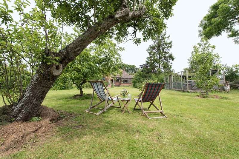 3 Bedrooms Detached Bungalow for sale in Minster