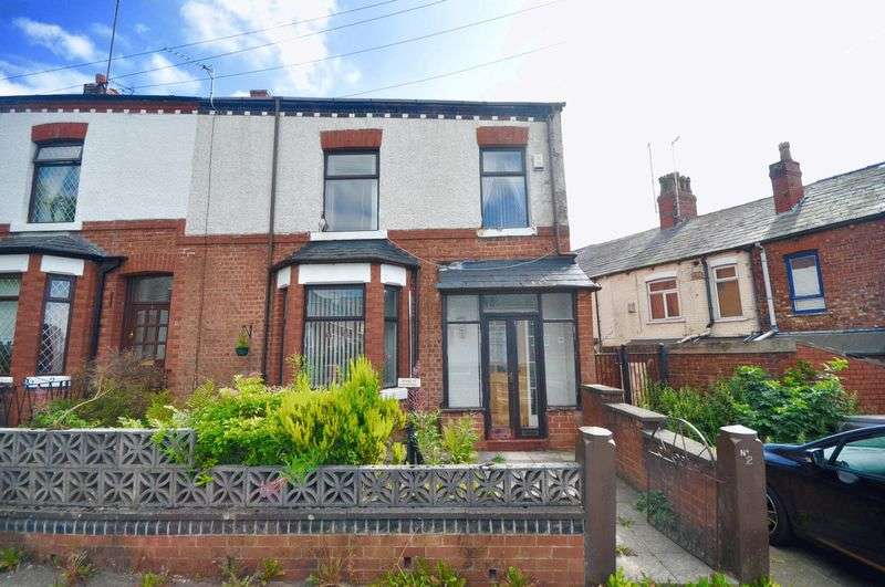 2 Bedrooms House for sale in Heywood Old Road, Manchester