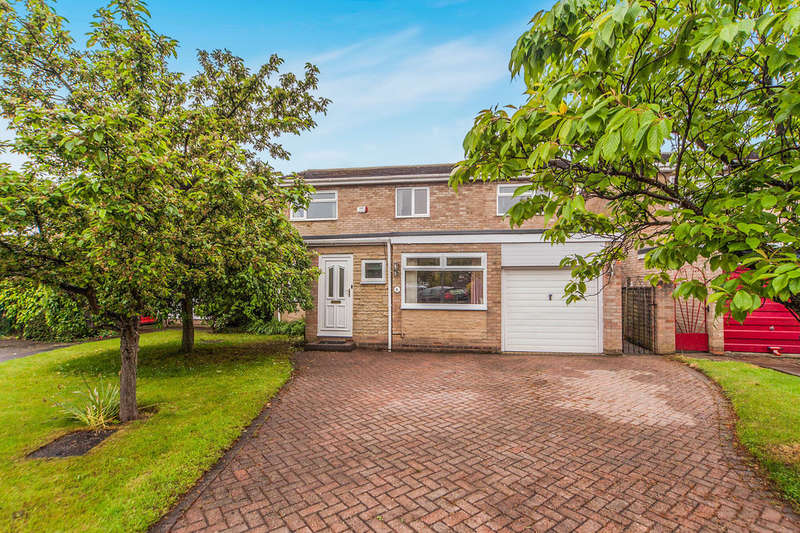 4 Bedrooms Detached House for sale in Goulton Close, Yarm, TS15