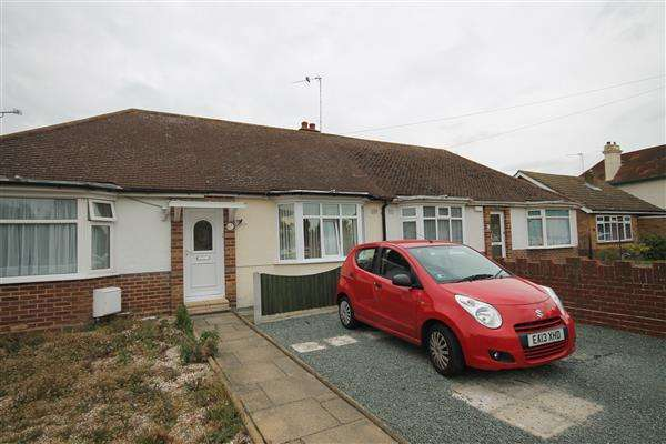 1 Bedroom Bungalow for sale in Highview Avenue, Great Clacton