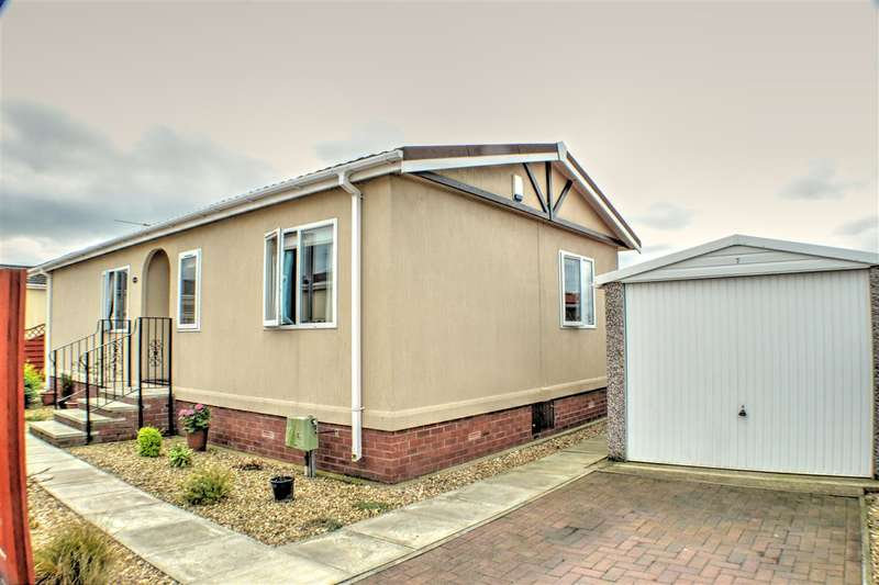 2 Bedrooms Park Home Mobile Home for sale in Riverbank Close, Coningsby