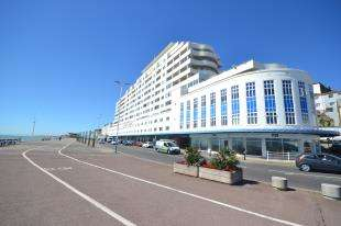 1 Bedroom Flat for sale in Marine Court, St. Leonards-On-Sea, Hastings, East Sussex