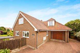 3 Bedrooms Bungalow for sale in New Dover Road, Capel-Le-Ferne, Folkestone, Kent