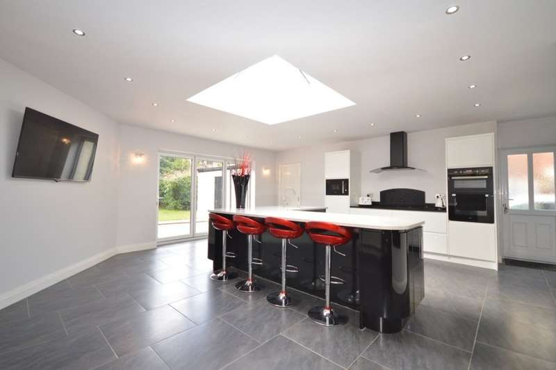 4 Bedrooms Semi Detached House for sale in West Park Drive, Stanley Park