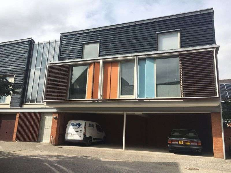 2 Bedrooms Flat for sale in Allis Mews, Harlow