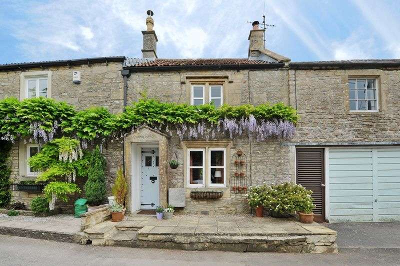 1 Bedroom Terraced House for sale in Watergates, Chippenham
