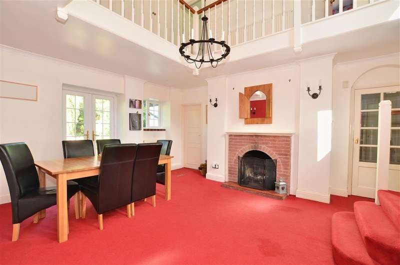 3 Bedrooms Detached House for sale in Horsham Road, Holmwood, Dorking, Surrey