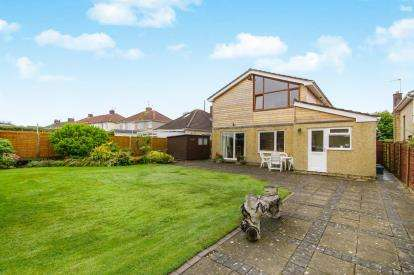 4 Bedrooms Detached House for sale in Spring Hill, Kingswood, Bristol