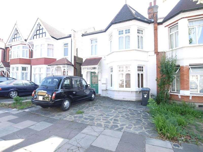 1 Bedroom Flat for sale in Ulleswater Road, London