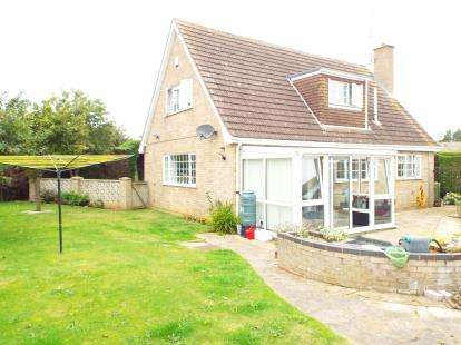 3 Bedrooms Detached House for sale in Heacham, King's Lynn, Norfolk