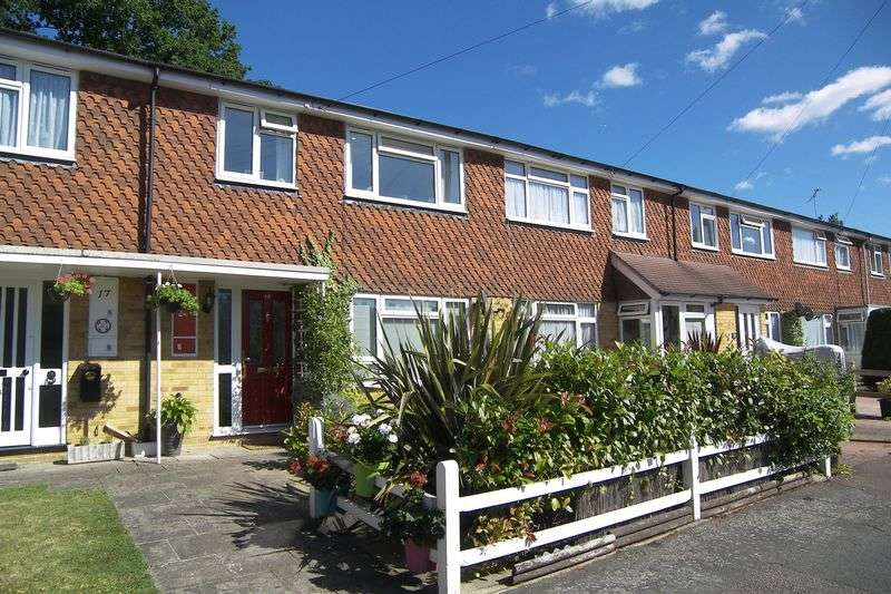 3 Bedrooms Terraced House for sale in Holroyd Road,Claygate