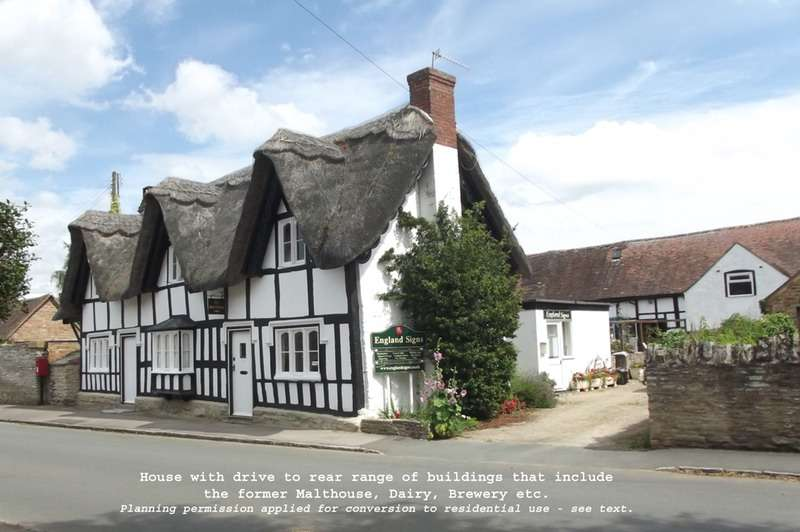 4 Bedrooms Detached House for sale in Main Street, Offenham,, Evesham, Worcestershire, WR11