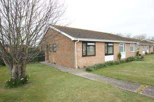 2 Bedrooms Bungalow for sale in Tolkien Road, Eastbourne, East Sussex