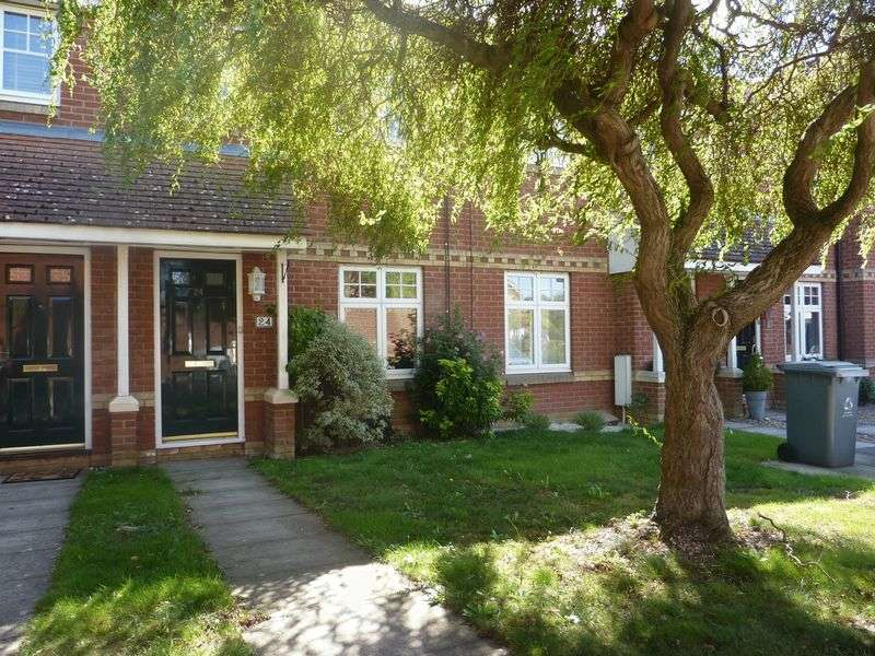 2 Bedrooms Terraced House for sale in Delightful Mid Terrace Home
