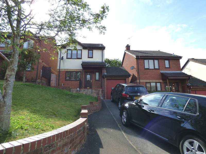 3 Bedrooms Detached House for sale in Ramsthorn Close, Woodhall Park