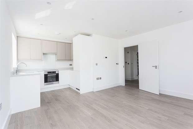 1 Bedroom Flat for sale in Boddington Gardens, Acton