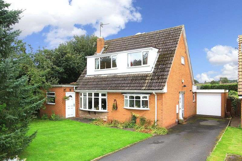 3 Bedrooms Detached House for sale in PATTINGHAM, Beechcroft