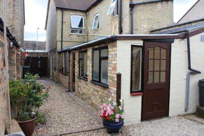 2 Bedrooms Semi Detached House for sale in High Street, Arlesey, Bedfordshire